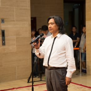 01 Director of National Art Museum of China Wu Weishan addressed the opening ceremony