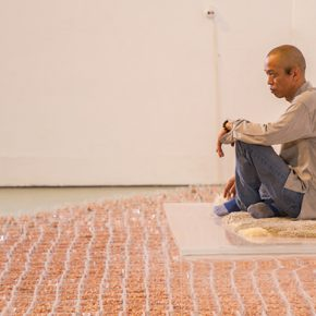 "The onsite performance art entitled ""Groundnut"" by He Yunchang"