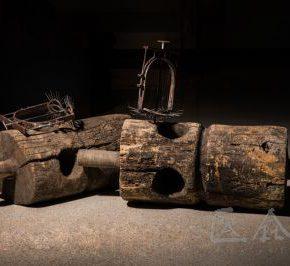 07 Qiu Zhijie, Cruel Torture, 2010