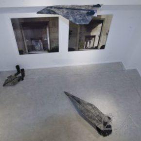 20 Qiu Zhijie, Paper Airplane, iron, coal, 2008
