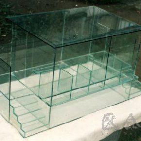 22 Qiu Zhijie, Public Life, glass, 60 x 70 x 100 cm, 1994
