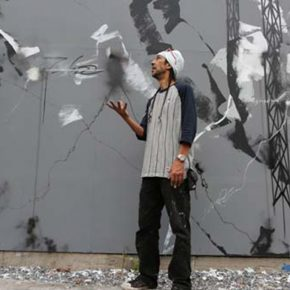 9 FUTURA in cation during a wall painting 290x290 - Observing Street Art from a Global Perspective: Interview with Magda Danysz and Artists