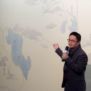 "03 Prof. Qiu Ting from the School of Chinese Painting CAFA Qiu Ting delivered a speech 290x290 - A Series of Exhibition of Teaching, Creating and Researching: ""Blue Mountains and Ink Shoes – Exhibition of Sketching in Dali, Yunnan"" Opened"