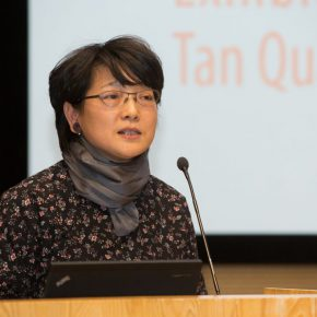 04-teng-fei-outstanding-representative-of-tan-quanshus-students-delivered-a-speech