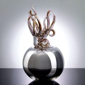 22-yu-hong-land-of-tenderness-no-2-glass-30-x-30-x-50-cm-2015