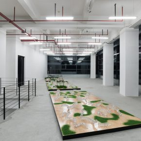 """Installation View of GLASS INTESTINE 01 290x290 - Shanghai Museum of Glass presents """"ANNEALING   GLASS INTESTINE"""" featuring the work by Yang Xinguang"""