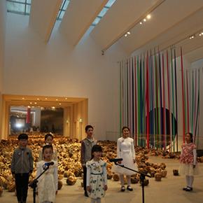 """Apsara's Flowers – The Art of Li Lei"" Showcases the Life Posture of the Poetic ""Drama"""