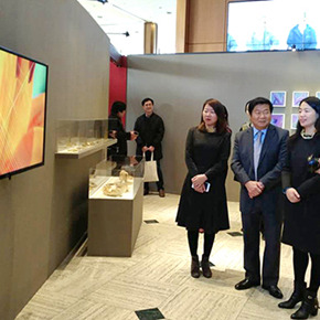 """""""Flowers, Encompassing Time – Exhibition of Female Artists from Beijing and Seoul"""" opened in Seoul"""