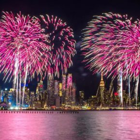 "08 The New Year themed fireworks show on Hudson River 290x290 - 2017 ""Happy Chinese New Year: Fantastic Art China"" New York Events was Officially Opened"