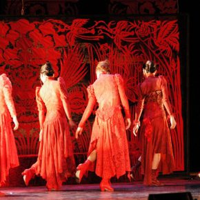 09 Five Women in Red, Symbolizing the Different State of Mind of Nora, photo courtesy of Qiao Xiaoguang, 2006