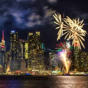 "09 The New Year themed fireworks show on Hudson River 290x290 - 2017 ""Happy Chinese New Year: Fantastic Art China"" New York Events was Officially Opened"