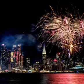 12 The New Year themed fireworks show on Hudson River