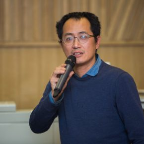 "02 The speaker Qiu Zhijie Dean of the School of Experimental Art CAFA 11 290x290 - Antoni Muntadas: ""Art Project – Working in the Process"""