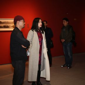 03 Curator Liu Zifeng (on the left) and artist Luo Ying (on the right)