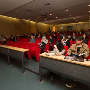 """05 View of the lecture 12 290x290 - Antoni Muntadas: """"Art Project – Working in the Process"""""""