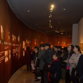 "15 Exhibition view of ""Everlasting Beauty of Dunhuang"""
