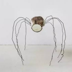 01 Fu Xiaotong, Mirrored Spider, 2017; Installation, mixed media, 73x66x62cm
