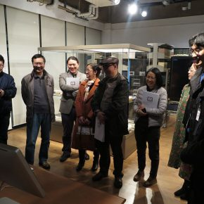 04 Teachers from the School of Humanities, CAFA visited the exhibition
