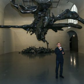 04 View of the opening ceremony – artist Zhan Wang delivered a speech