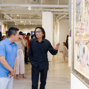 07 Su Xinping Vice President of CAFA visited the exhibition and commented on the work 290x290 - The Way of Further Education: CAFA 2017 Graduation Exhibition of Outstanding Works by Trainees Opened