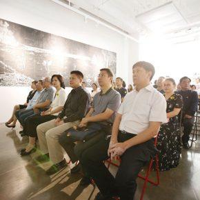 03 Kang Jianfei, curator of the program onsite interpreted the work