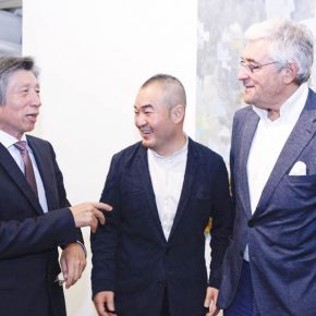 "10 Fan Di'an President of the Central Academy of Fine Arts left Sun Yongzeng Director of Whitebox Art Center middle and Walter Smerling Chairman of the Stiftung für Kunst und Kultur e.V 290x290 - The First Show of ""Next Generation"" Focuses on Young Art Inaugurated the Deutschland 8"