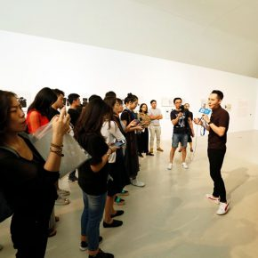 """11 The curator explained the work for the audience 290x290 - First Retrospective Exhibition on the Chinese Mainland: """"Weingart Typography""""  China Touring Exhibition 2017 Unveiled in Beijing"""