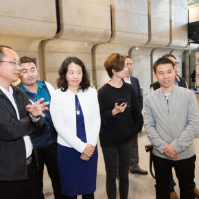 """06 Honored guests visited the exhibition 1 290x290 - """"Spirit of Artisan"""" of Contemporary Art: Taoxichuan Art Museum Launched """"To Ingenuity"""" in Jingdezhen"""