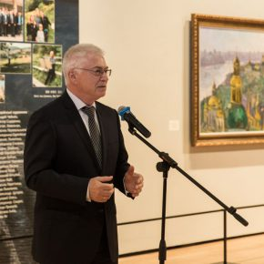 03 Mr. Oleg Dyomin Ambassador Extraordinary and Plenipotentiary of Ukraine to the People's Republic of China delivered a speech at the opening ceremony 290x290 - The Meeting of Dniepe: A Show and Interaction between Contemporary Art from China and Ukraine