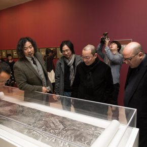 11 Honored guests visiting the show 290x290 - International Grand Exhibition for Wood Engraving and Historical Archive: Discussing the Contemporary Value of Traditional Printmaking