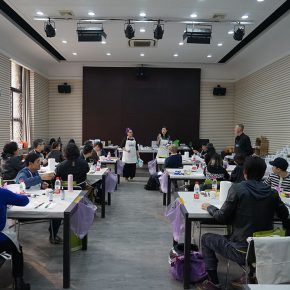 """13 View of the course 290x290 - When Teachers Once Again Become Students: """"Propelling the popularization for the Knowledge & Charactistic of Acrylic Materials and its Application"""""""