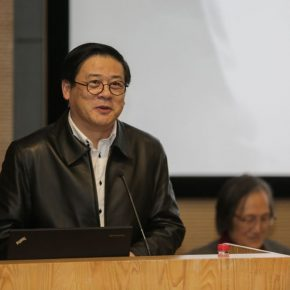 02 Xu Li Party Secretary of China Artists Association Vice Chairman and Secretary General addressed the opening ceremony 290x290 - Carved Traces of Wang Qi in Chinese Art: An Exhibition Commemorating Wang Qi's 100th Birthday has opened