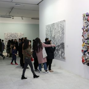 12 Installation view of the exhibition 290x290 - Crossing the Idol and Maze: Primary Form in Re-Idol – Yue Minjun Solo Exhibition Opened