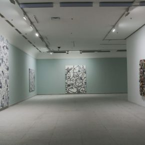 16 Installation view of the exhibition 290x290 - Crossing the Idol and Maze: Primary Form in Re-Idol – Yue Minjun Solo Exhibition Opened