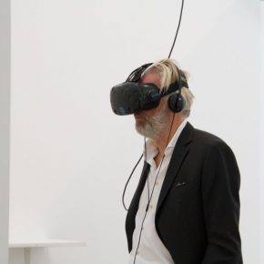 "03 Jens Faurschou Founder of Faurschou Foundation experienced the Virtual Reality 290x290 - Finding the Trajectory of Life in Dynamic Scenery: Yu Hong's New Virtual Reality Artwork ""She's Already Gone"" has opened"