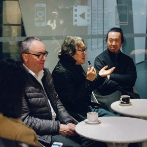 """06 Xu Bing communicated with journalists attended the opening ceremony 290x290 - """"Xu Bing"""": The Art View and Action Logic of a Fatalist"""