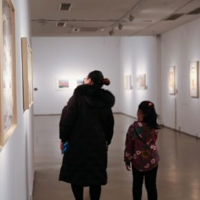 "09 Installation view of the exhibition 4 290x290 - Diverse Styles and Beautiful Forms: ""Win-Win Cooperation Belt and Road International Printmaking Invitational Exhibition"" Opened"