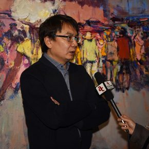 "10 Shi Yu was interviewed by the media 290x290 - Seeing Introspection from the Outside: ""Flowing Monologues"" Shi Yu's Solo Exhibition Opened"