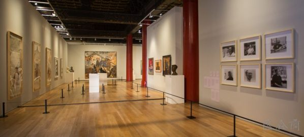 Installation view of the exhibition 02 598x270 - Yu Hong: Portraits of Oil Painting Require to be Gazed at, In Addition to an External Form