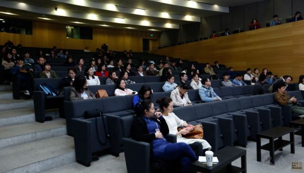 04 View of the lecture 4 598x340 - Hua Tianxue: The Relationship between Xu Beihong and Japanese Fine Arts