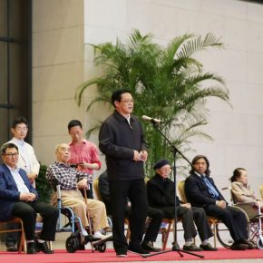 "05 Party Secretary of the China Artists Association Xu Li delivered a speech at the opening ceremony 290x290 - He has never stopped drawing though he has reached old age: ""Dai Ze Art Exhibition"" Debuted at the National Museum of China"
