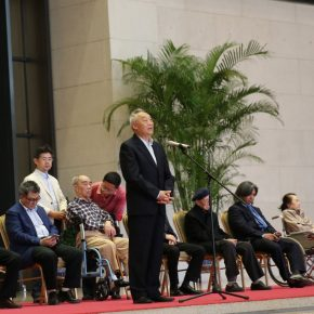 "07 Director of Xu Beihong Memorial Hall Xu Qingping delivered a speech at the opening ceremony 290x290 - He has never stopped drawing though he has reached old age: ""Dai Ze Art Exhibition"" Debuted at the National Museum of China"