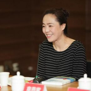"""08 Zhang Yanzi Editor in Chief of CAFA ART INFO and the General Editor of the book """"The Gray Palette When I Studied at CAFA"""" 290x290 - Stories of Artistic Growth: """"The Gray Palette: When I Studied at CAFA"""" has been officially published"""
