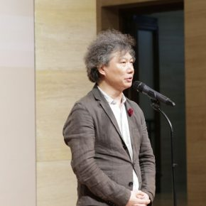 "01 President and Editor in chief of ""Fine Art"" magazine of the China Artists Association Shang Hui delivered a speech 290x290 - Urban Landscapes Presented in Ink Paintings: ""Ink Art – Wong Hau Kwei"" Debuted at the National Art Museum of China"