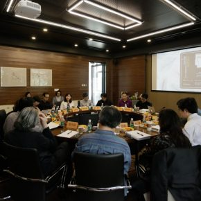 "18 View of the symposium 290x290 - The Symposium on ""From West to East: Visions and Methods of Chinese and Western Art Criticism in the 20th Century"" was held at CAFA"