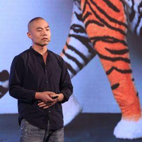 17 Artist Tian Longyu was demonstrating 290x290 - 2018 Wang Shikuo Award Announced Artist Zheng Da Won the Grand Prize