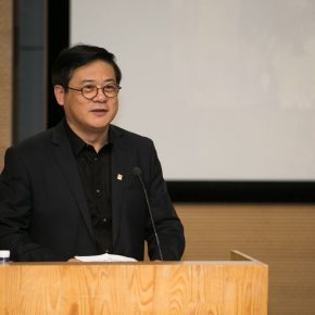 """02 Party Secretary and General Secretary of China Artists Association Xu Li delivered a speech 290x290 - Do the Best to Cultivate and Persist in the Artistic State: """"Cultivator—Exhibition of Dai Ze's Oil Paintings"""" Opened"""