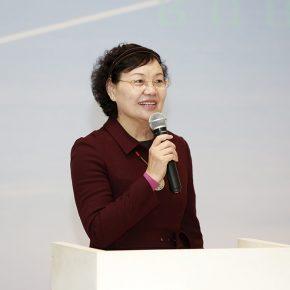 "02 Director of Beijing Minsheng Art Museum Zhou Xujun delivered a speech at the opening ceremony 290x290 - ""When Lines Become Boundaries: Pei Yongmei Art Exhibition"" Unveiled at Beijing Minsheng Art Museum"
