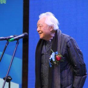 The well-known Chinese sculptor Sheng Yang delivered a speech