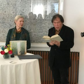 Poet Xi Chuan read a poem by Swedish poet and Nobel laureate Harry Martinson at the award ceremony